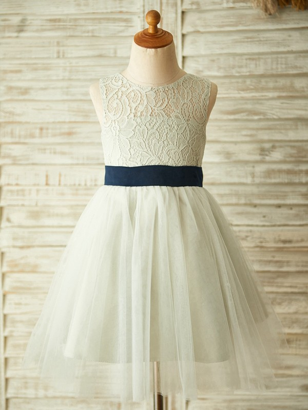 A-Line/Princess Tulle Lace Scoop Sleeveless Knee-Length Flower Girl Dress