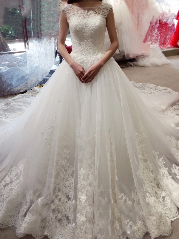 Ball Gown Bateau Applique Court Train Tulle Wedding Dress