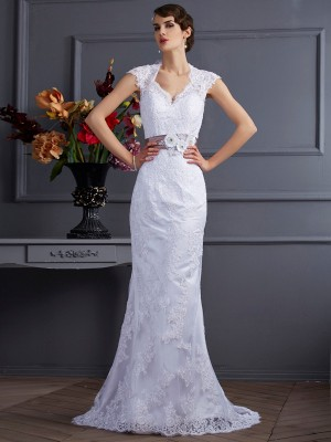 Trumpet/Mermaid Applique Long Satin Wedding Dress
