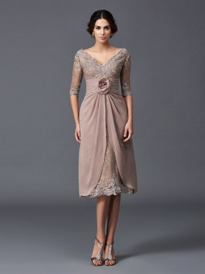 A-Line/Princess V-neck 1/2 Sleeves Short Lace Mother of the Bride Dress
