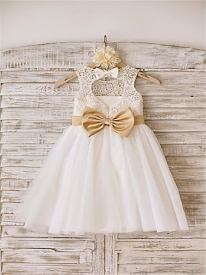 A-line/Princess Bowknot Scoop Knee-Length Tulle Flower Girl Dress