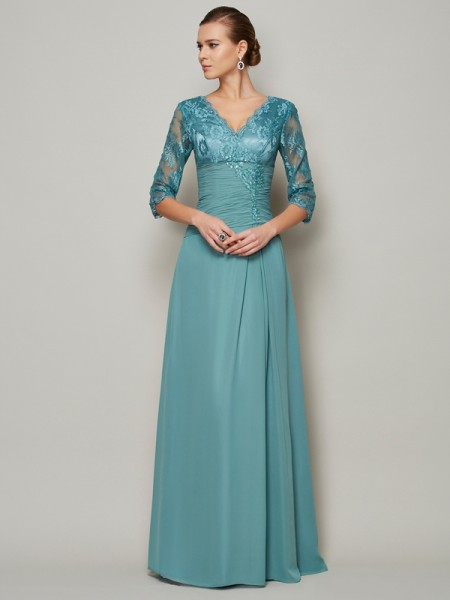A-Line/Princess V-neck Lace Mother of the Bride Dress with Long Chiffon