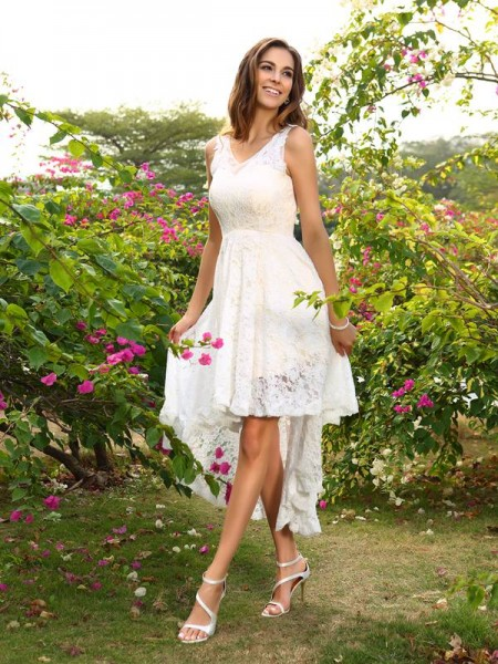 A-Line/Princess V-neck Lace High Low Lace Bridesmaid Dress