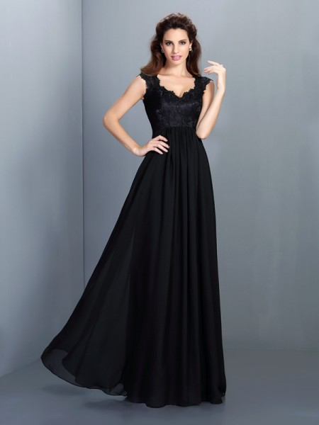 A-Line/Princess Scoop Lace Bridesmaid Dress with Long Chiffon