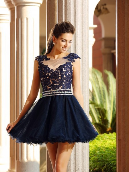 A-Line/Princess Scoop Applique Short Tulle Cocktail Dress