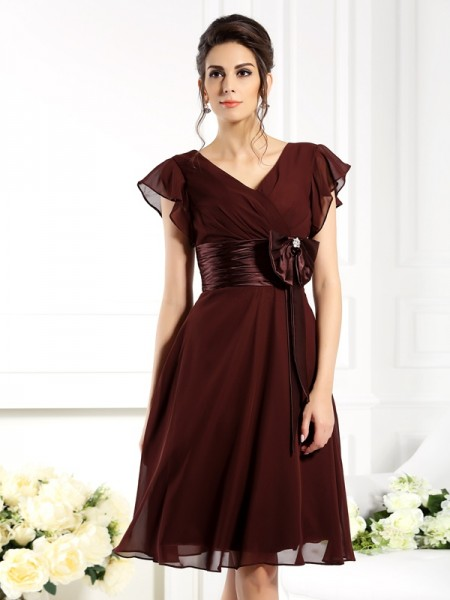 A-Line/Princess V-neck Bowknot Short Sleeves Short Chiffon Mother of the Bride Dress