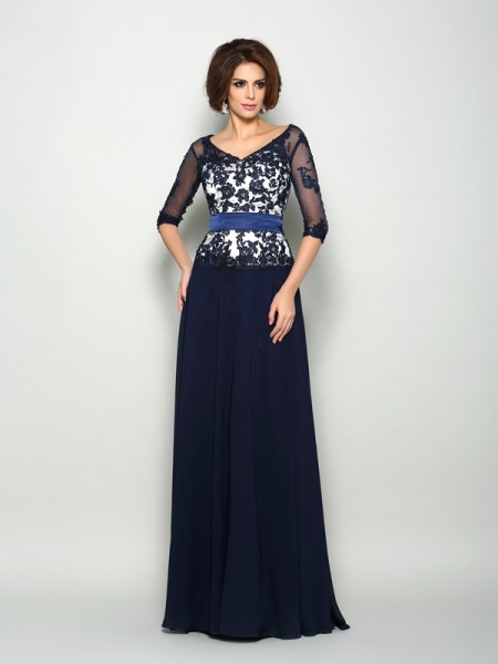 A-Line/Princess V-neck Beading 1/2 Sleeves Mother of the Bride Dress with Long Chiffon