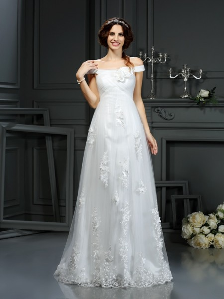 A-Line/Princess Applique Long Net Wedding Dress