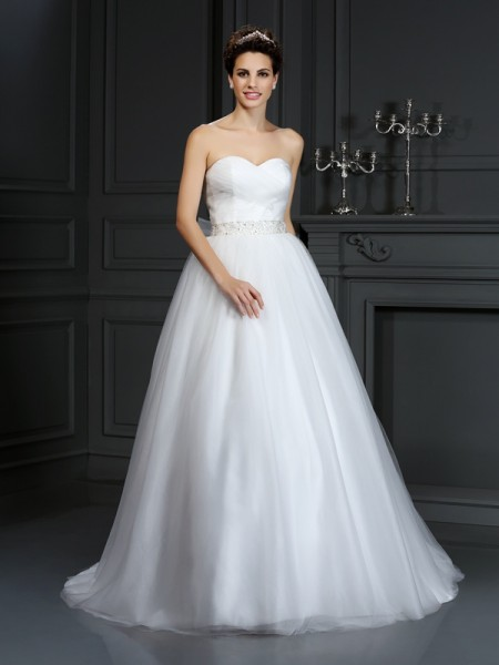 Ball Gown Sweetheart Beading Long Net Wedding Dress