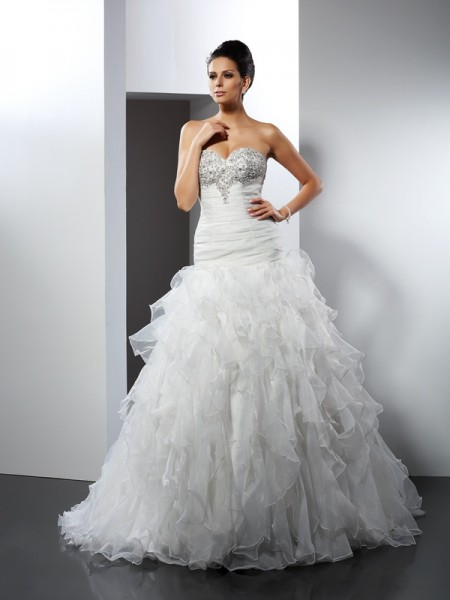 Ball Gown Sweetheart Ruffles Long Tulle Wedding Dress