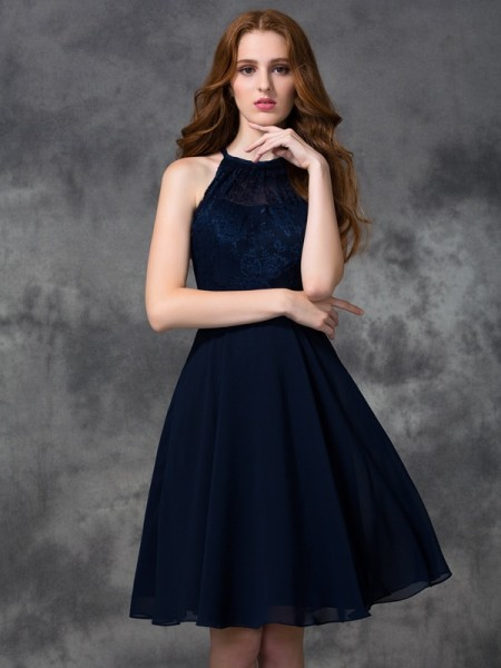 A-line/Princess Halter Lace Short Chiffon Bridesmaid Dress