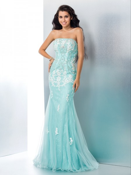 Trumpet/Mermaid Strapless Applique Long Lace Dress