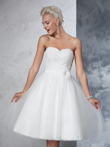 A-Line/Princess Sweetheart Short Net Wedding Dress