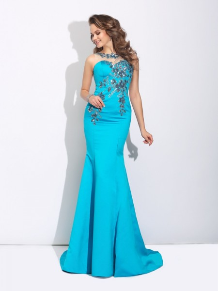 Trumpet/Mermaid Scoop Applique Satin Dress