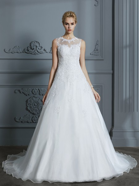 Ball Gown Tulle Scoop Court Train Applique Wedding Dresses