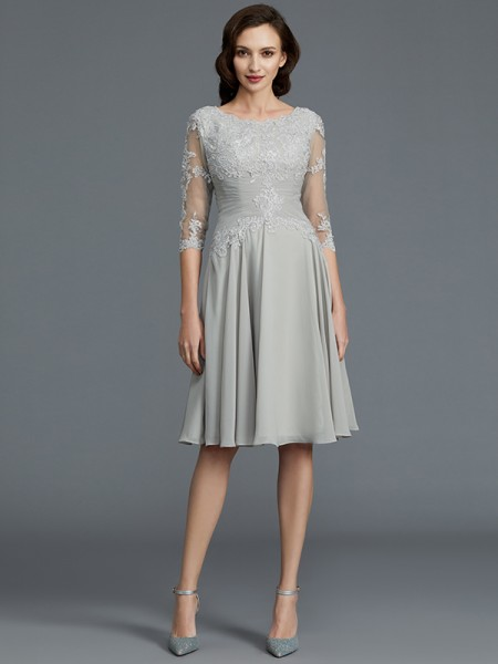 A-Line/Princess Scoop Knee-Length Chiffon Applique Mother of the Bride Dresses