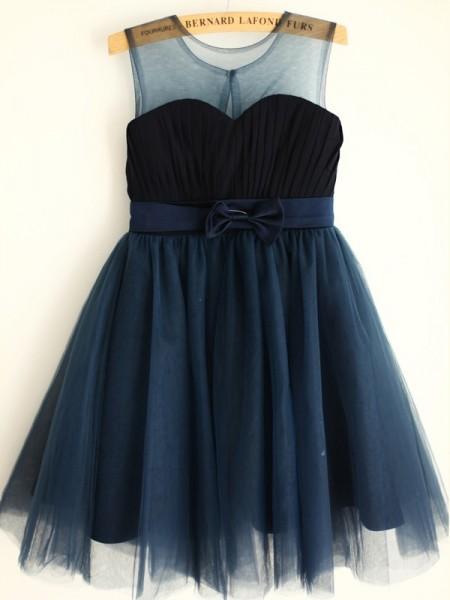 A-Line/Princess Tulle Bowknot Scoop Sleeveless Knee-Length Flower Girl Dress