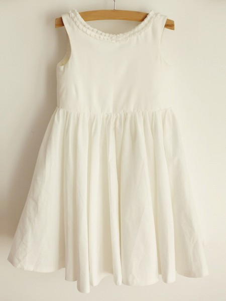 A-Line/Princess Scoop Ruffles Sleeveless Spandex Knee-Length Flower Girl Dress