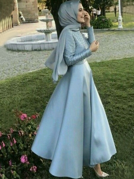 A-Line/Princess Long Sleeves Long Beading Satin Muslim Dress
