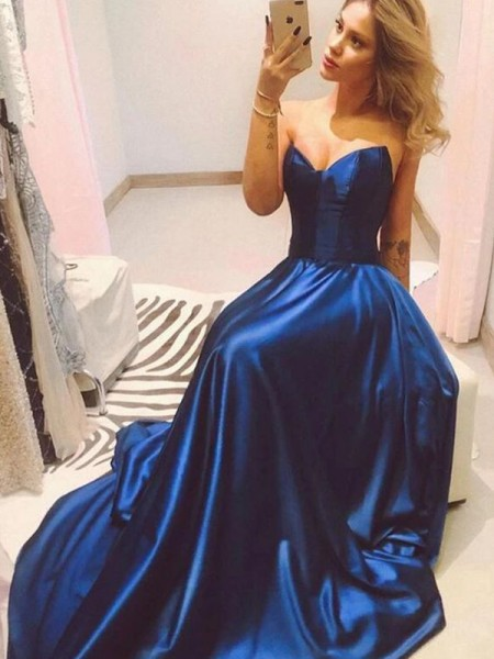 A-Line/Princess Sweetheart Sleeveless Sweep/Brush Train Satin Dress