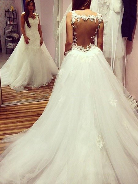 Ball Gown Sweetheart Chapel Train Tulle Wedding Dresses