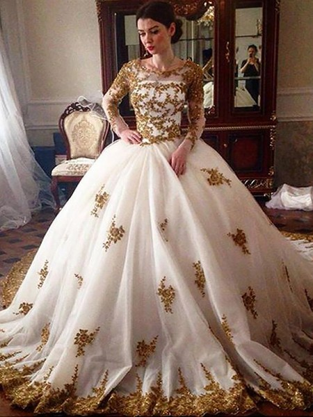 Ball Gown Court Train Tulle Scoop Wedding Dresses