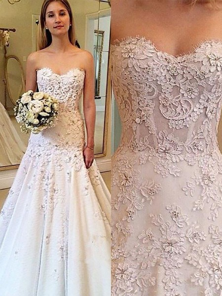 A-Line/Princess Sweetheart Lace Court Train Wedding Dresses