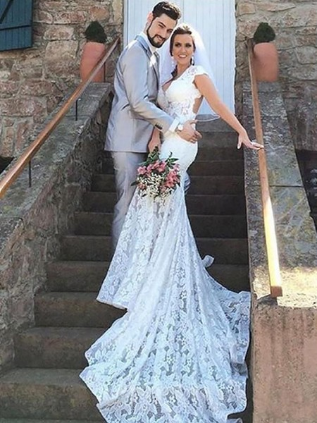 Trumpet/Mermaid Sweetheart Lace Court Train Wedding Dresses