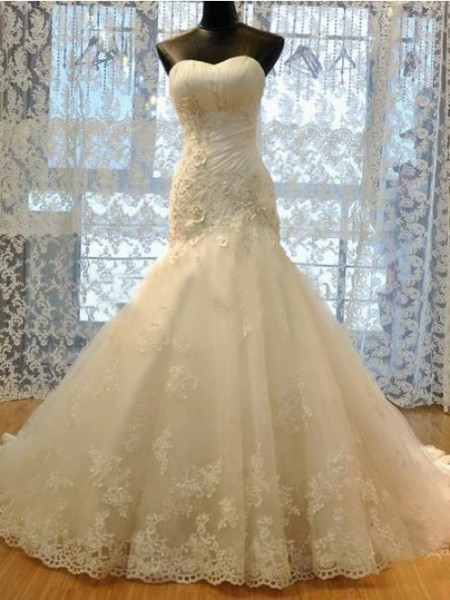 Trumpet/Mermaid Sweetheart Court Train Organza Applique Wedding Dresses