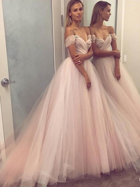 A-Line/Princess Off-the-Shoulder Tulle Beading Sweep/Brush Train Dress