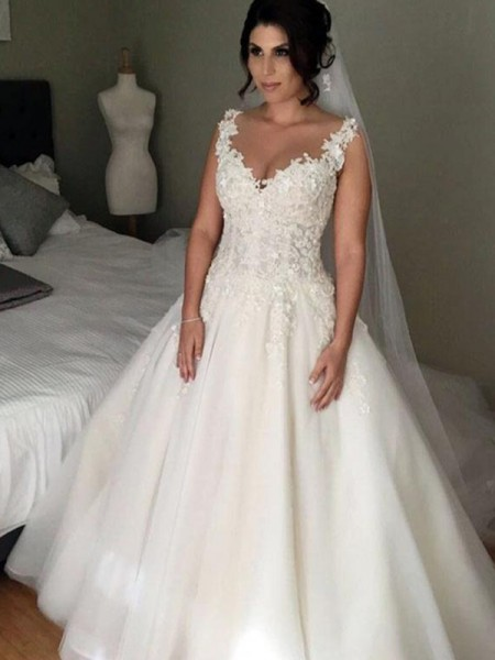 Ball Gown Sleeveless V-neck Court Train Applique Lace Tulle Wedding Dress