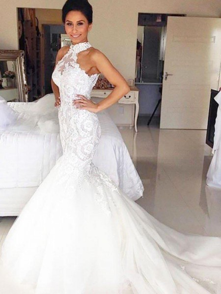 Trumpet/Mermaid Tulle Lace Sleeveless Halter Court Train Wedding Dress