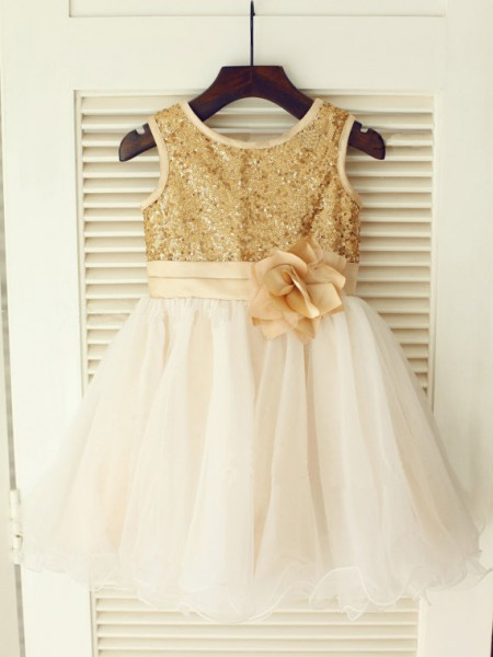 A-line/Princess Scoop Sequin Knee-Length Organza Dresses