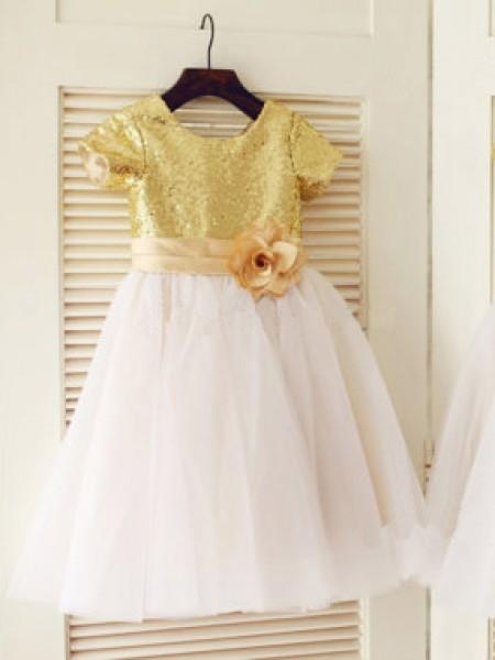 A-line/Princess Scoop Short Sleeves Sequin Tulle Knee-Length Dress